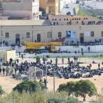 Lampedusa, dopo lo sbarco il furto di un ciclomotore: agli arresti giovane tunisino