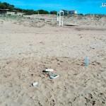Agrigento, rifiuti in spiaggia lasciati dai pescatori (poco) sportivi: la denuncia di MareAmico