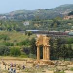 Domenica torna il treno storico per la Valle dei Templi e la Scala dei Turchi