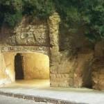 Agrigento, illuminate le case troglodite del Rabato