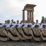 Mandorlo in fiore, spettacolo folkloristico del Val d'Akragas a San Pietro