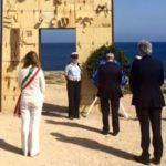 """Pietro Grasso a Lampedusa: """"un grandissimo esempio di solidarietà e impegno civico"""""""