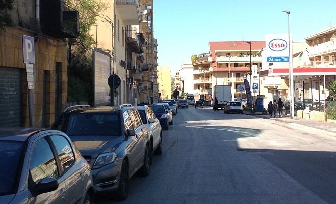 Agrigento, investe auto in sosta e scappa ma poi si presenta ai carabinieri