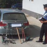 Forza un posto di blocco con auto rubata ed arnesi da scasso: arresto nell'agrigentino