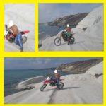 Agrigento, motociclisti a Punta Bianca sulla marna. La denuncia di MareAmico