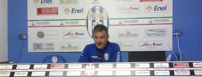"""Verso Cosenza-Akragas, Di Napoli: """"il nostro obiettivo è vincere"""""""