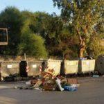 Agrigento, inciviltà in via Sirio: al Villaggio Mosè strada piena di rifiuti