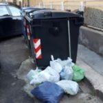 """Agrigento, rifiuti fuori i cassonetti. Alongi: """"I cittadini contribuiscano al decoro urbano della città"""""""