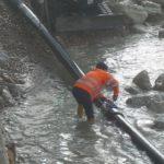 San Leone, si è rotto il tubo fognario alla spiaggia Mare Nostrum: operai a lavoro