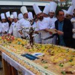 """Un """"Mandorlo in Fiore"""" in dolcezza presentato a Palermo: il pastry chef Giovanni Mangione incanta con la sua torta – FOTO"""