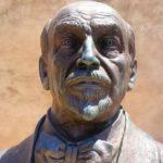 Agrigento, il busto di Luigi Pirandello nell'omonima piazza
