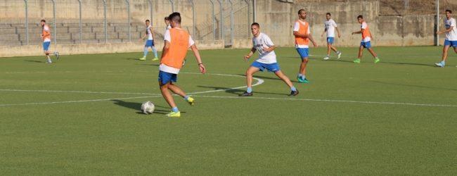 """Verso Lecce-Akragas, continua la preparazione. Vicente: """"cerchiamo di dare il meglio"""" – VIDEO"""