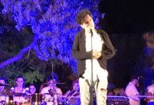 """""""San Calogero abbraccia la Valle"""": pienone per la serata di beneficenza, Lello Analfino """"incendia"""" il pubblico – FOTO"""