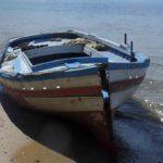 Barche abbandonate nelle spiagge agrigentine: l'allarme di MareAmico – VIDEO