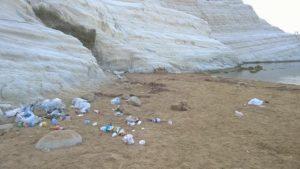 scala-dei-turchi-rifiuti1