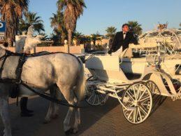 Agrigento: una sposa-cenerentola corona il suo sogno a bordo di una carrozza