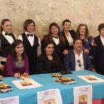 """""""Colorami l'anima"""": Eliana, giovane sorda, realizza il suo sogno presentando il suo libro a Favara"""