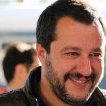 """Matteo Salvini visita il centro di accoglienza migranti di Siculiana: """"qui colazione, pranzo e cena non si nega a nessuno"""" – VIDEO"""