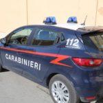 Donna va su tutte le furie e aggredisce carabinieri, denunciata