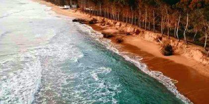 Eraclea Minoa, interdetta porzione di spiaggia: pericolo caduta alberi