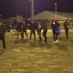"""Porto Empedocle, migranti tentano la fuga dalla nave """"quarantena"""""""