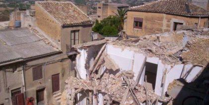 """Naro: presentato bando per la demolizione di edifici pericolanti """"superstiti"""" della frana"""