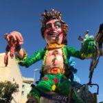 Entra nel vivo il Carnevale di Sciacca: partono i cortei mascherati con i carri allegorici