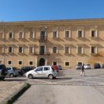 Crolla cornicione del seminario di Agrigento, danneggiata auto