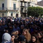 Licata, emergenza rifiuti: cittadini scendono in piazza