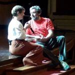 """""""La macchina della felicità"""": lo spettacolo di Flavio Insinna infiamma il pubblico del Teatro Pirandello di Agrigento"""