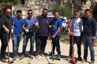 Palma di Montechiaro, consiglieri puliscono Parco Giochi per bambini