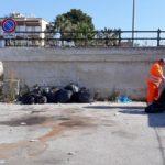 Agrigento, rifiuti per strada: bonificata l'area dell'eliporto a San Leone