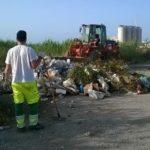 Lampedusa, una domenica dedicata alla rimozione dei rifiuti e alla pulizia delle strade