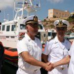 Lampedusa, il Comandante Generale delle Capitanerie di Porto incontra gli equipaggi della Guardia Costiera