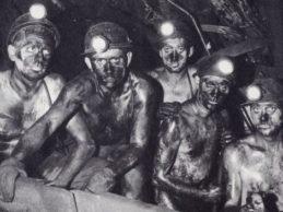 """Dal """"baratto di braccia-carbone"""" all'Aquarius, quando i migranti erano italiani: intervista al sindacalista italo-belga Sebastiano Greco"""