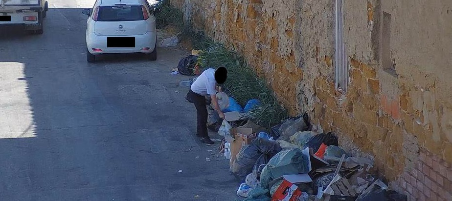 Lanciatori seriali di rifiuti