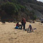 """Ambulanti abusivi in spiaggia: scattano i sequestri tra """"Villa Romana"""" e """"Scala dei Turchi"""""""