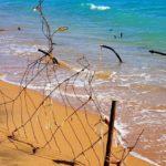"""Mareamico """"ferri, legni e tubi dalla spiaggia"""": pericolo a San Leone – VIDEO"""