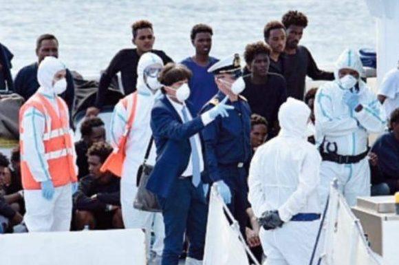 Luigi Patronaggio sulla nave Diciotti