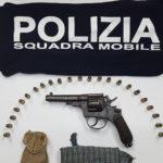 Agrigento, detiene illegalmente armi e munizioni: denunciato dalla Polizia di Stato