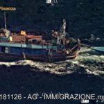Canale di Sicilia, fermato peschereccio che rimorchiava migranti- VIDEO