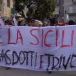 """Licata dice """"No"""" a trivelle e gasdotti: oltre duemila persone in corteo"""