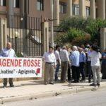 Sit-in di solidarietà al Procuratore Patronaggio dinanzi al Tribunale