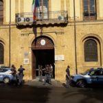 Carabiniere ucciso, anche ad Agrigento l'omaggio della Polizia davanti al Comando dell'Arma