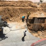 San Leone, condotta fognaria otturata: cede l'asfalto, operai a lavoro
