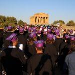 UniPa, Graduation Day: la Valle dei Templi di Agrigento invasa da giovani laureati