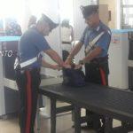 """""""Operazione souvenir"""": turista bloccata all'aeroporto di Lampedusa, con la refurtiva nei bagagli"""