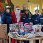Sciacca, Polizia municipale in azione per portare regali, conforto e allegria ai bambini ricoverati in ospedale
