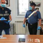 Canicattì, arrestato in pieno centro con la cocaina addosso