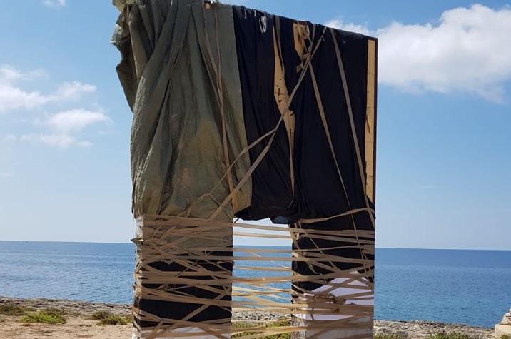 """Lampedusa, """"sfregio"""" alla Porta d'Europa. Il sindaco Martello: """"azione meschina"""""""
